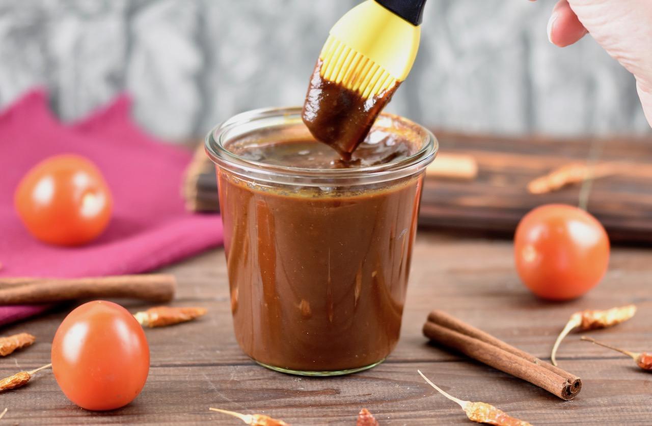 Rauchige BBQ-Sauce mit Ahorn Sirup selber machen