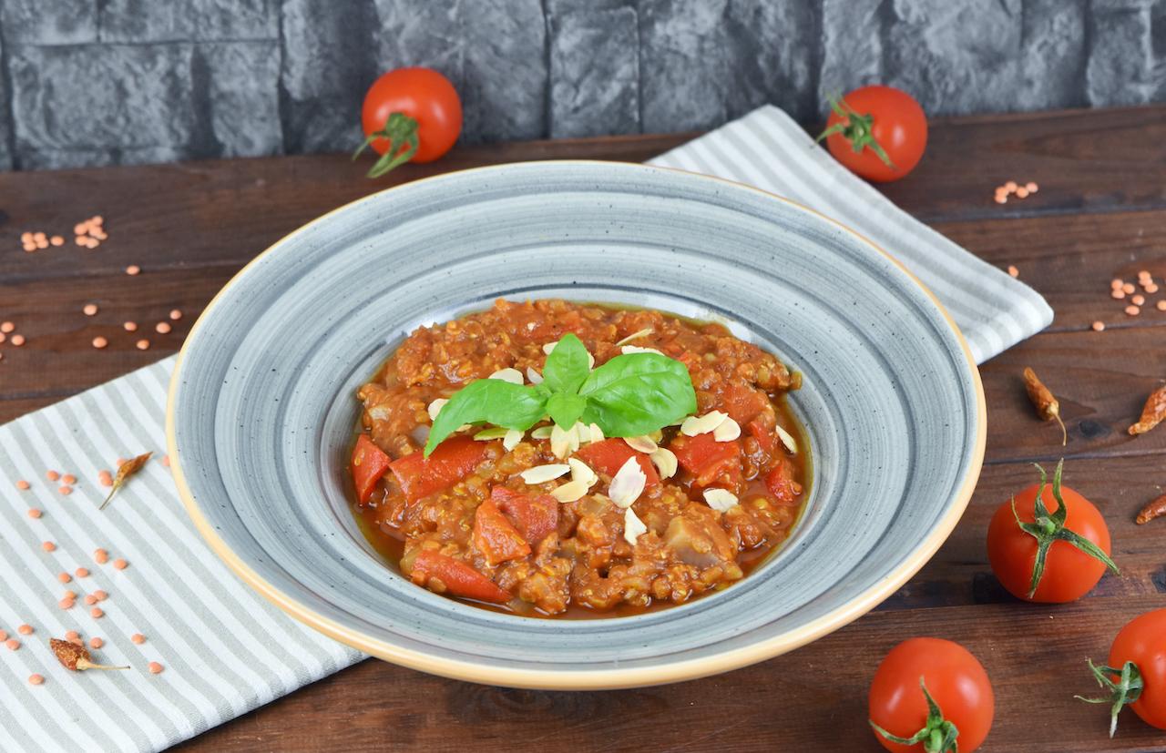 Italienischer Eintopf mit Tomaten, Paprika und Linsen - Zimt & Chili