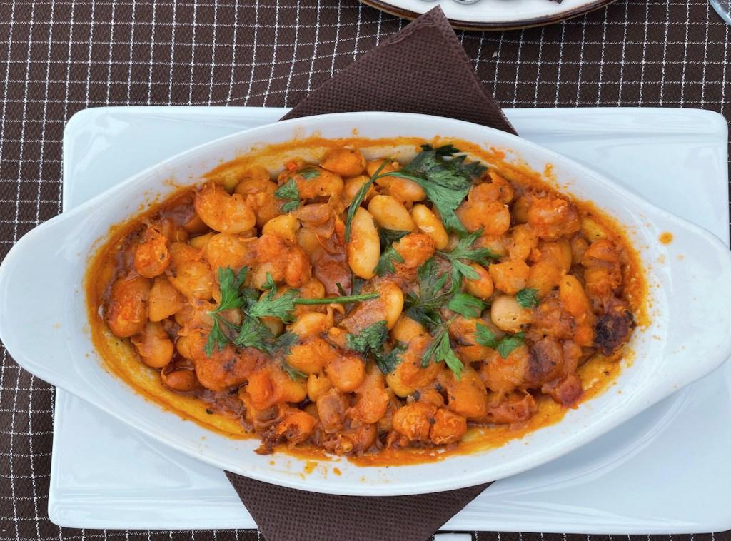 Essen und Trinken in Mazedonien - Tavche Gravche, Baked Beans auf mazedonisch
