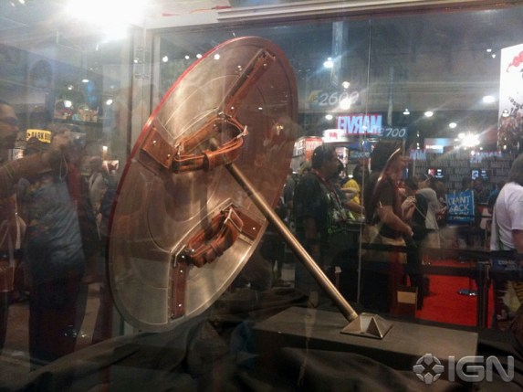sdcc-10-caps-real-life-shield-20100725114754719