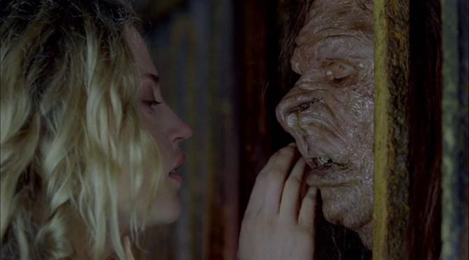 La Bella y la Bestia (2009), sangre y fiambre