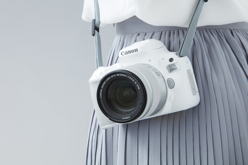 5.Canon EOS 200D