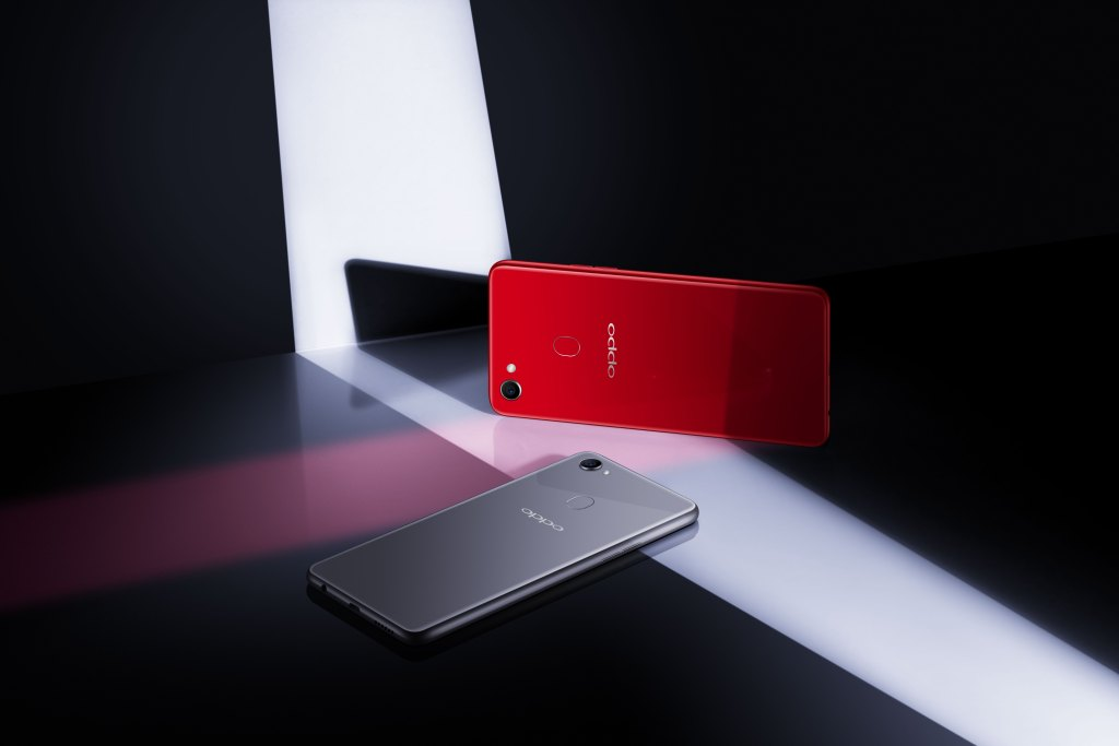 The colour variant of Solar Red (Right) and Moonlight Silver (Bottom Left) provide styling options to different users