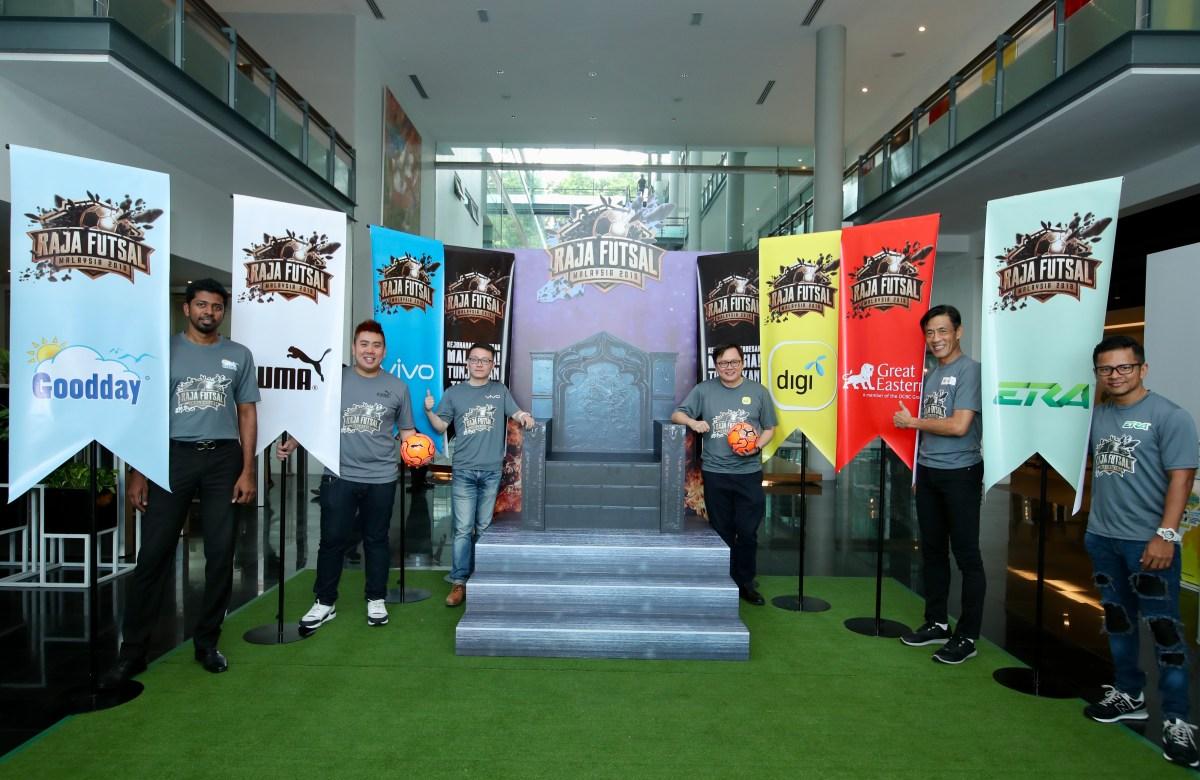 Digi Raja Futsal photo opp1