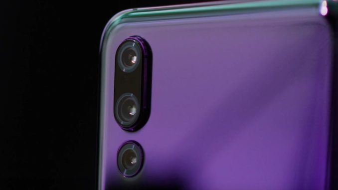 everything-we-know-about-the-lg-v40-thinq-5-cameras-1-notch-a-laundry-list-of-top-tier-specs-678x381