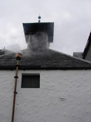 Jeszcze przed chwilą byliśmy pod tym kominem i dorzucaliśmy torf do pieca