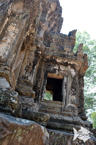 The Khmer Empire of the 9th-14th centuries encompassed much of South-east Asia and played a formative role in the political and cultural development of the region. All that remains of that civilization is its rich heritage of cult structures in brick and stone.