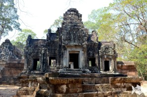 The Angkor complex represents the entire range of Khmer art from the 9th to the 14th centuries, and includes a number of indisputable artistic masterpieces (e.g. Angkor Wat, the Bayon, Banteay Srei).