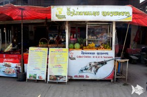 For quick eats and late night snacks, numerous pancake and sandwich stalls dot the streets of Van Vieng