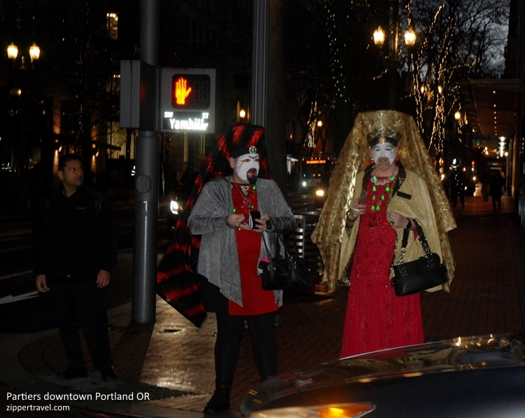 costumed-holiday-partygoers-portland-or