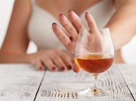Dry-Spell-Why-Women-Are-Choosing-to-Ditch-Booze-This-Winter