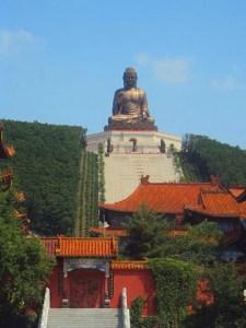 An enormous Buddha statue