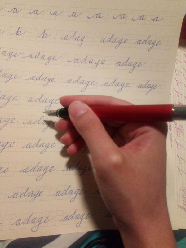 Corrected pen grip for fountain pens