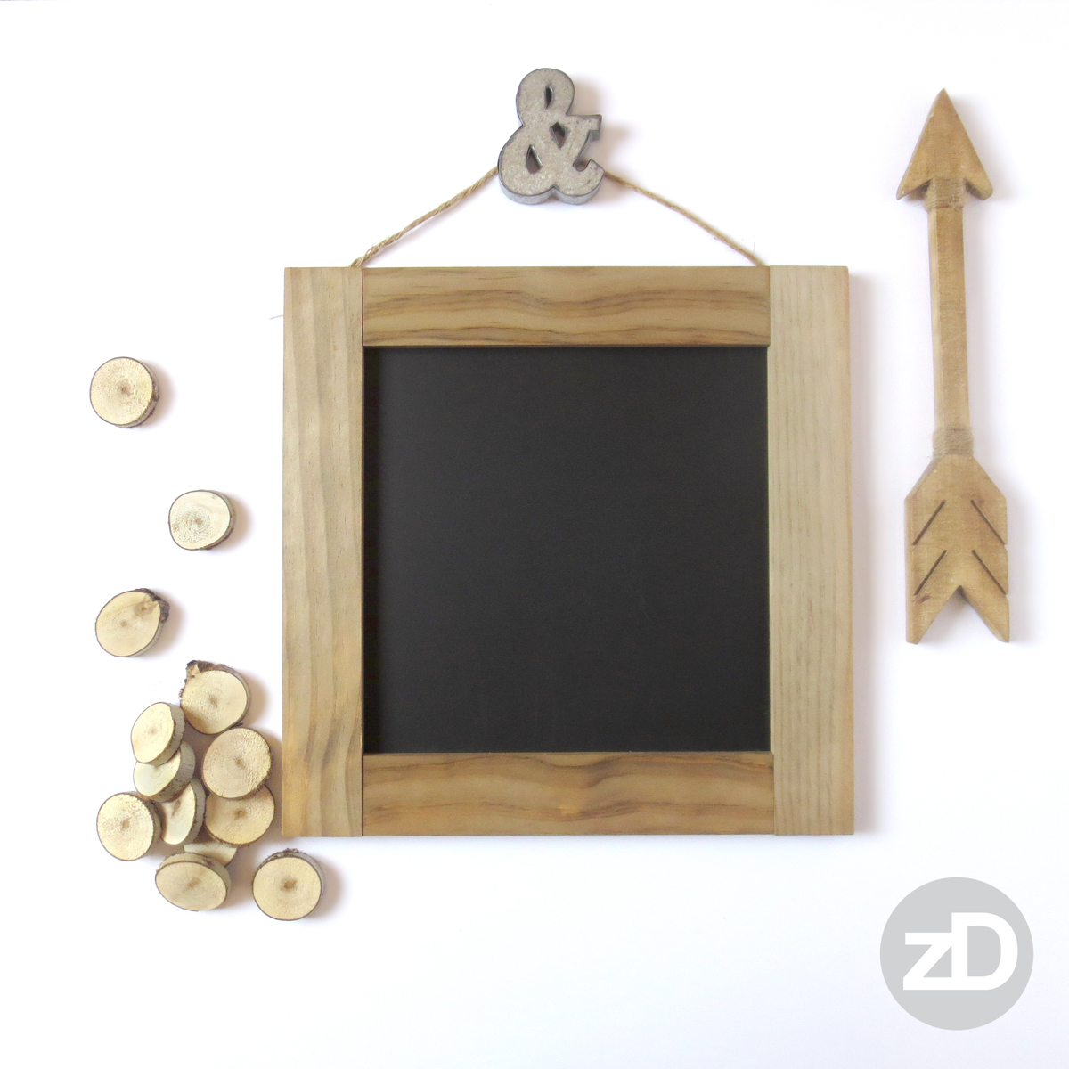 Zirkus Design | Photographing Flat Lay Product Mockups | Wood Chalkboard with Ampersand and Arrow
