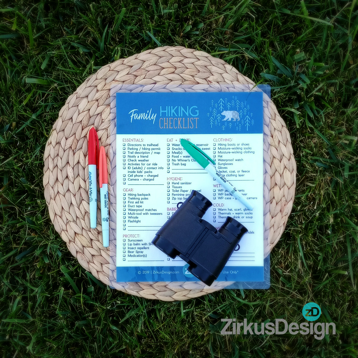 What to Pack for a Family Day Hike - FREE Printable Checklist! - ZirkusDesign.comto Pack for a Family Day Hike - FREE Printable Checklist! - ZirkusDesign.com - Hiking Family of 5