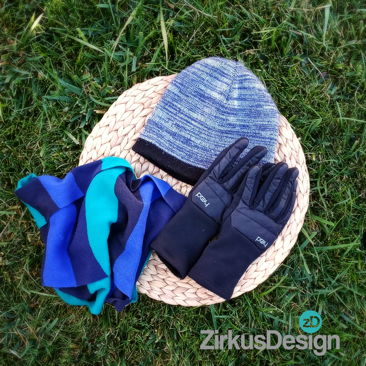 What to Pack for a Family Day Hike - FREE Printable Checklist! - ZirkusDesign.com - Essential Warm Clothing for Hiking with Kids