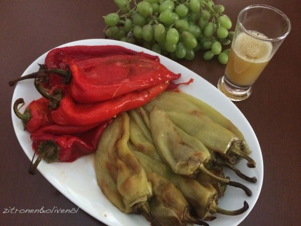 Gebratene Paprika mit Agourida - dem Saft unreifer Trauben