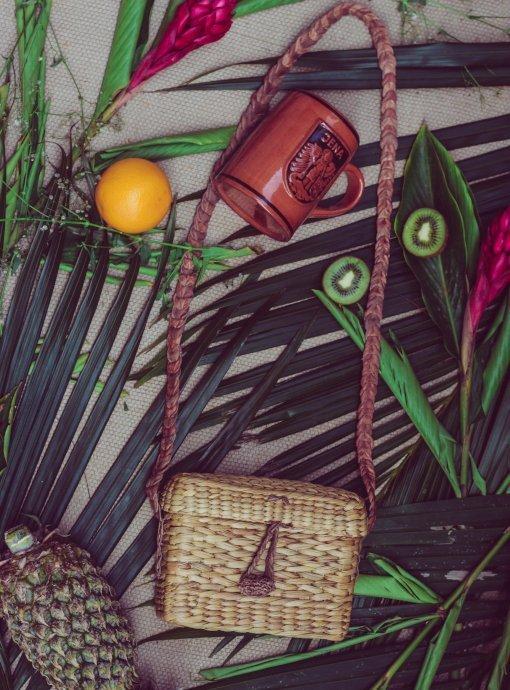 Priska weaved box sling bag