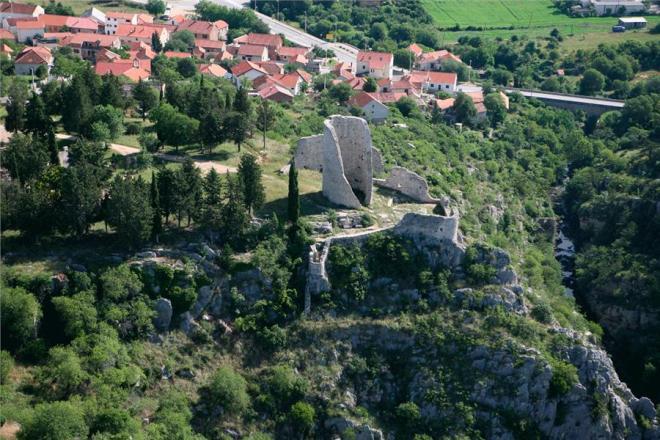 croatia_dalmatia_sibenik_drnis_002
