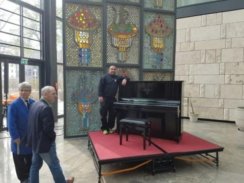 Klavier transport Berlin in der Türkischen Botschaft