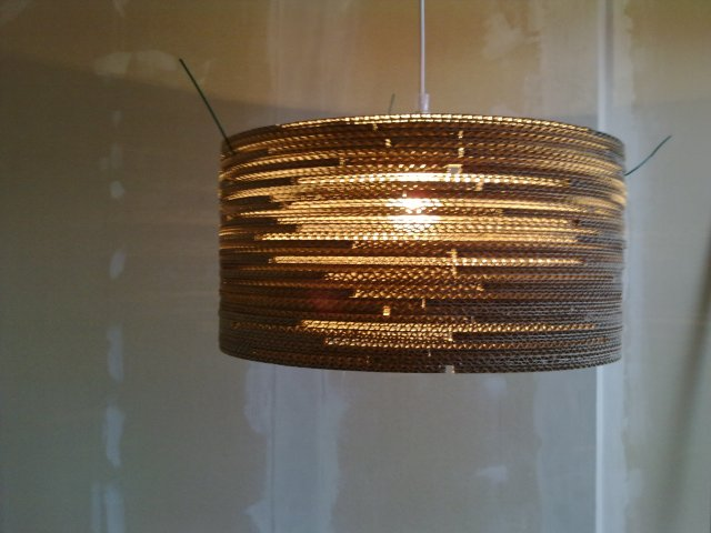 beczka-2-22 - lampa z kartonu