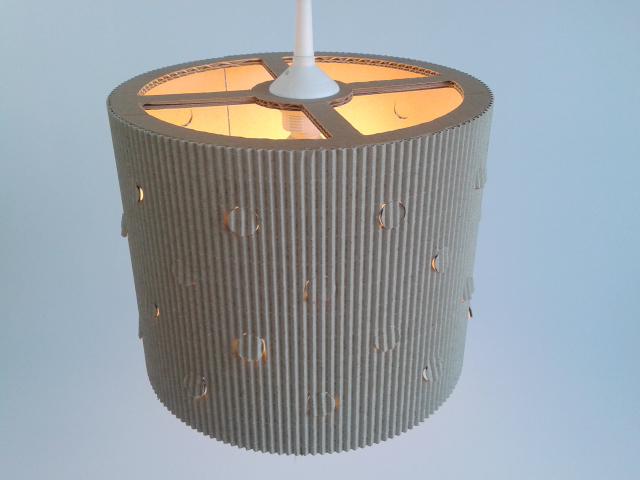 Lampa kropra z kartonu - 3.jpg