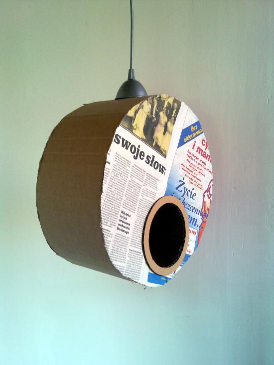 lampa-z-tektury-i-gazety-medalio-6
