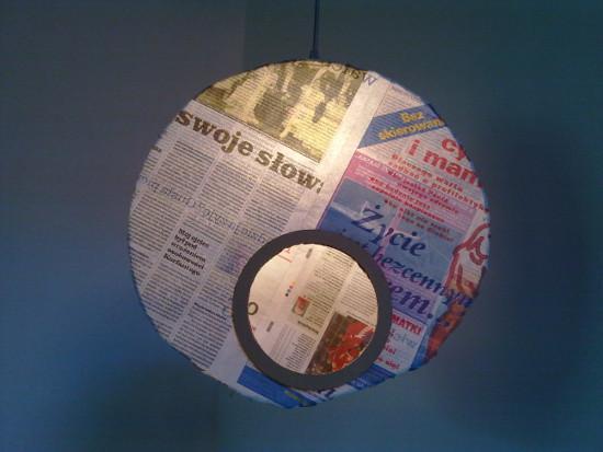 lampa-z-tektury-i-gazety-medalio-8