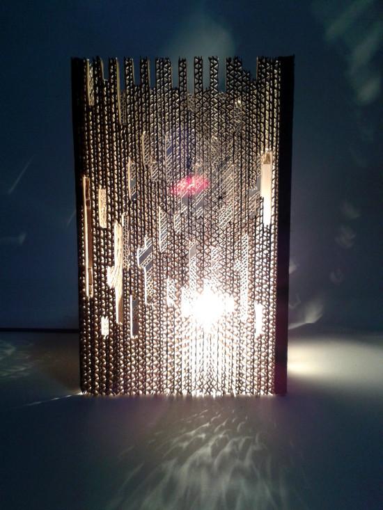 lampa-z-tektury-w-4-czesciach-pionowe-3
