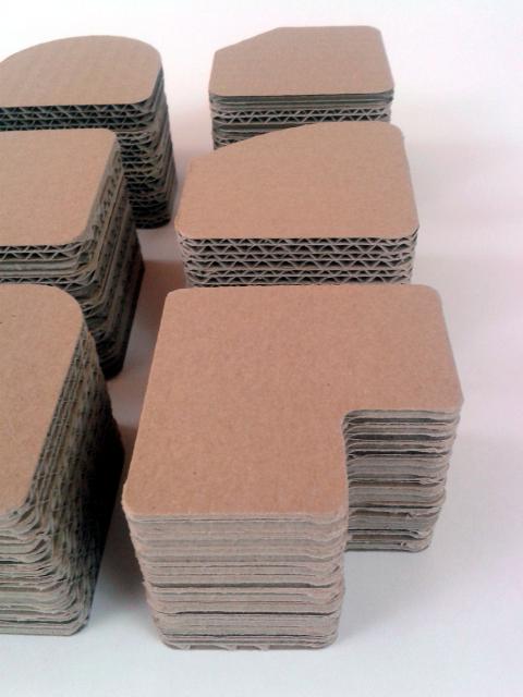 postumenty kartonowe pod produkty - 5