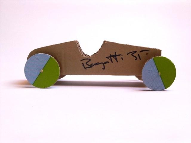 cardbord-car-bugatti-35-4 - tekturowy samochód