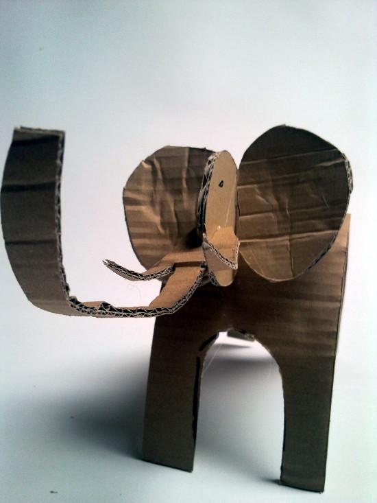 Słoń sposta zabawka z tektury / Cardboard elephant – simple toy