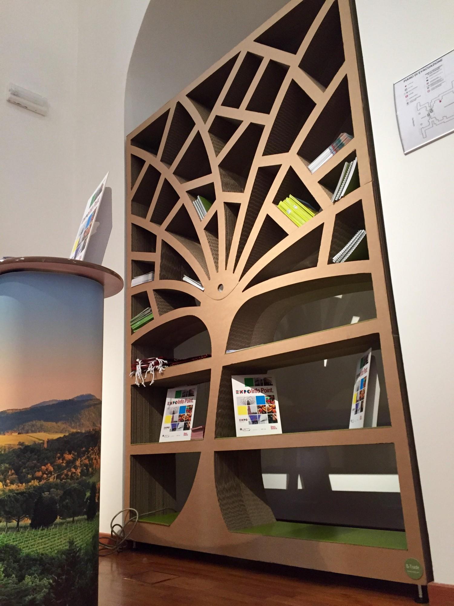 Oryginał Półka w kształcie drzewa z tektury   Z Kartonu EX99