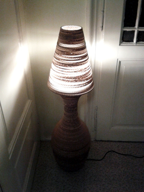 Lampa z tektury stojaca - 8