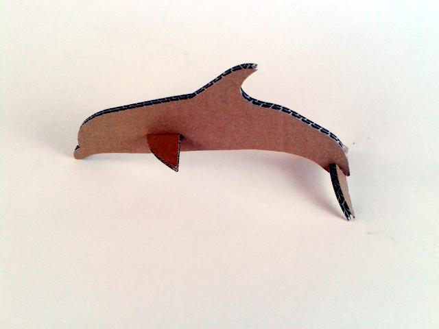 Delfin z kartonu - 2