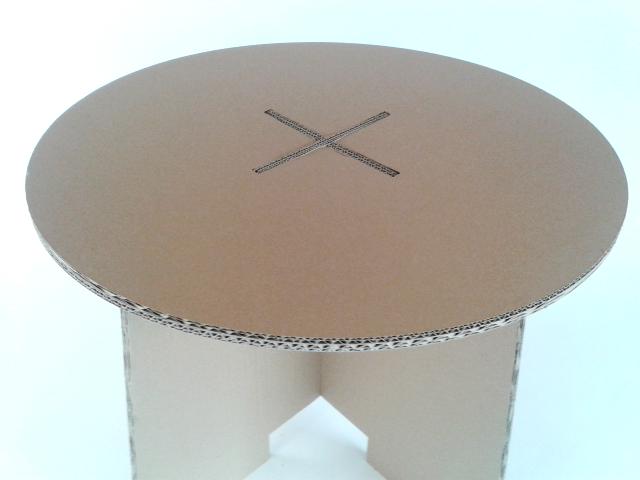 Stol z karotnu skladany - 2