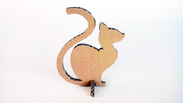 kot-z-karotnu-cardboard-cat-3