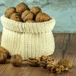 Uživanje orehov je zdravo!