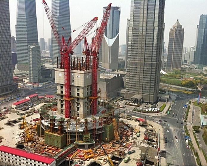 בניית מגדל מגורים בשנגחאי