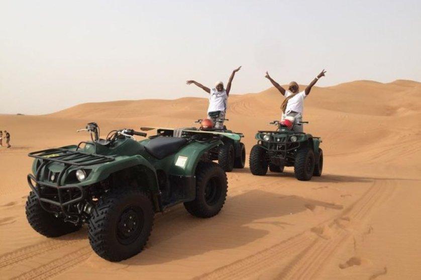 טרקטורונים במדבר דובאי