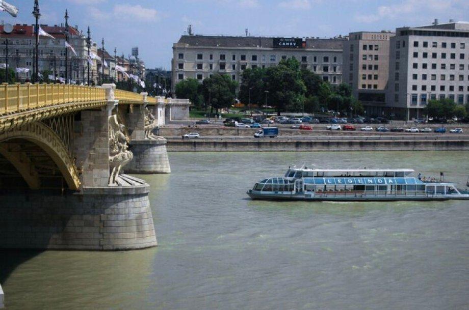 שייט על הדנובה, צפייה באתרים המפורסמים של בודפשט
