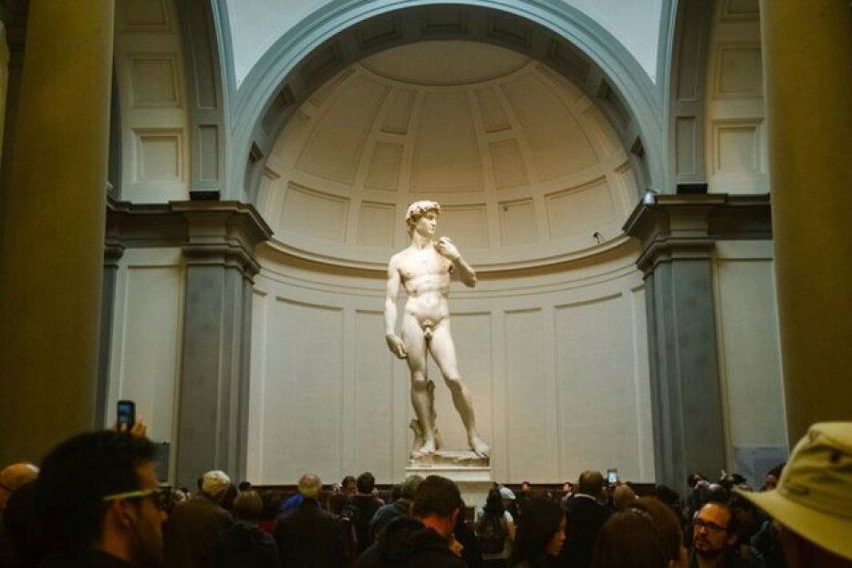 דוד של מיכאלאנג׳לו בגלריית האקדמיה בפירנצה