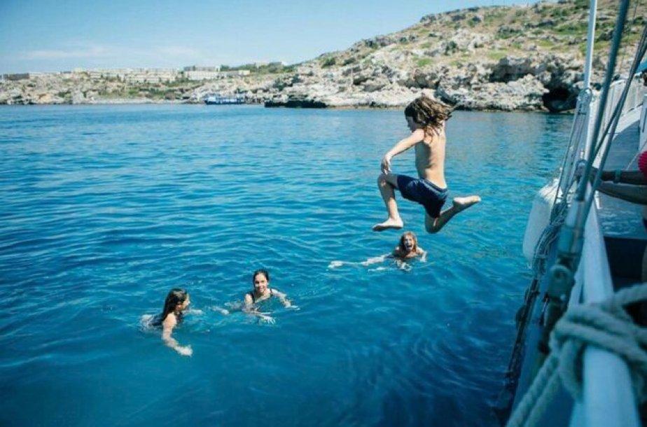 שחייה ושונרקל בלינדוס