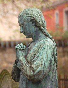 Prayer_Statue_WEDNESDAY