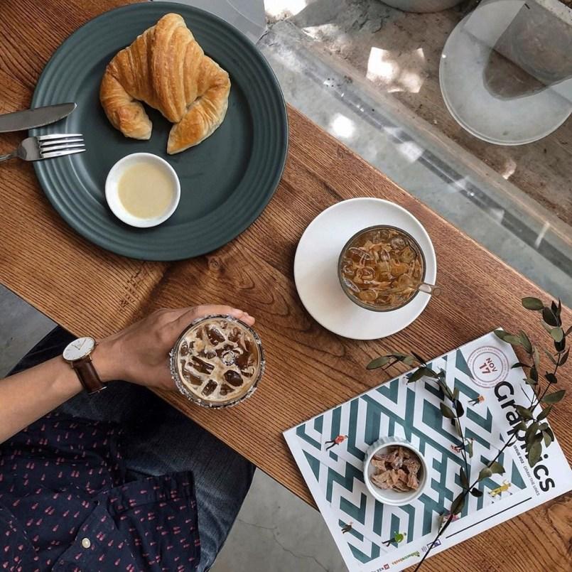 4 quán cà phê mới hút giới trẻ check-in ở TP.HCM Thiết kế tiệm đồ uống Thiết kế quán Cafe Quán cafe khung thép Phong cách nhiệt đới Phong cách Nhật Bản Phong cách Mộc Phong cách Industrial Phong cách hiện đại Phong cách công nghiệp Hot trend
