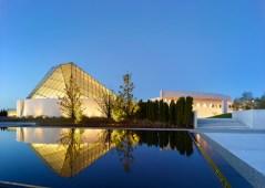 Ismaili-Centre-by-Moriyama-and-Teshima-Architects_dezeen_784_1