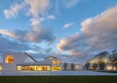 Ismaili-Centre-by-Moriyama-and-Teshima-Architects_dezeen_784_4