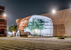 templ-shinslab-temporary-temple-seoul-south-korea-museum-courtyard-recycled-cargo-ship-parts-sugar-salt-pepper_dezeen_1568_16