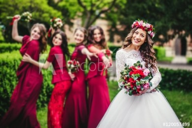 How Many Bridesmaids Should I Have