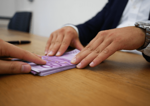 How to Find a Money Lender Near Bugis Area?